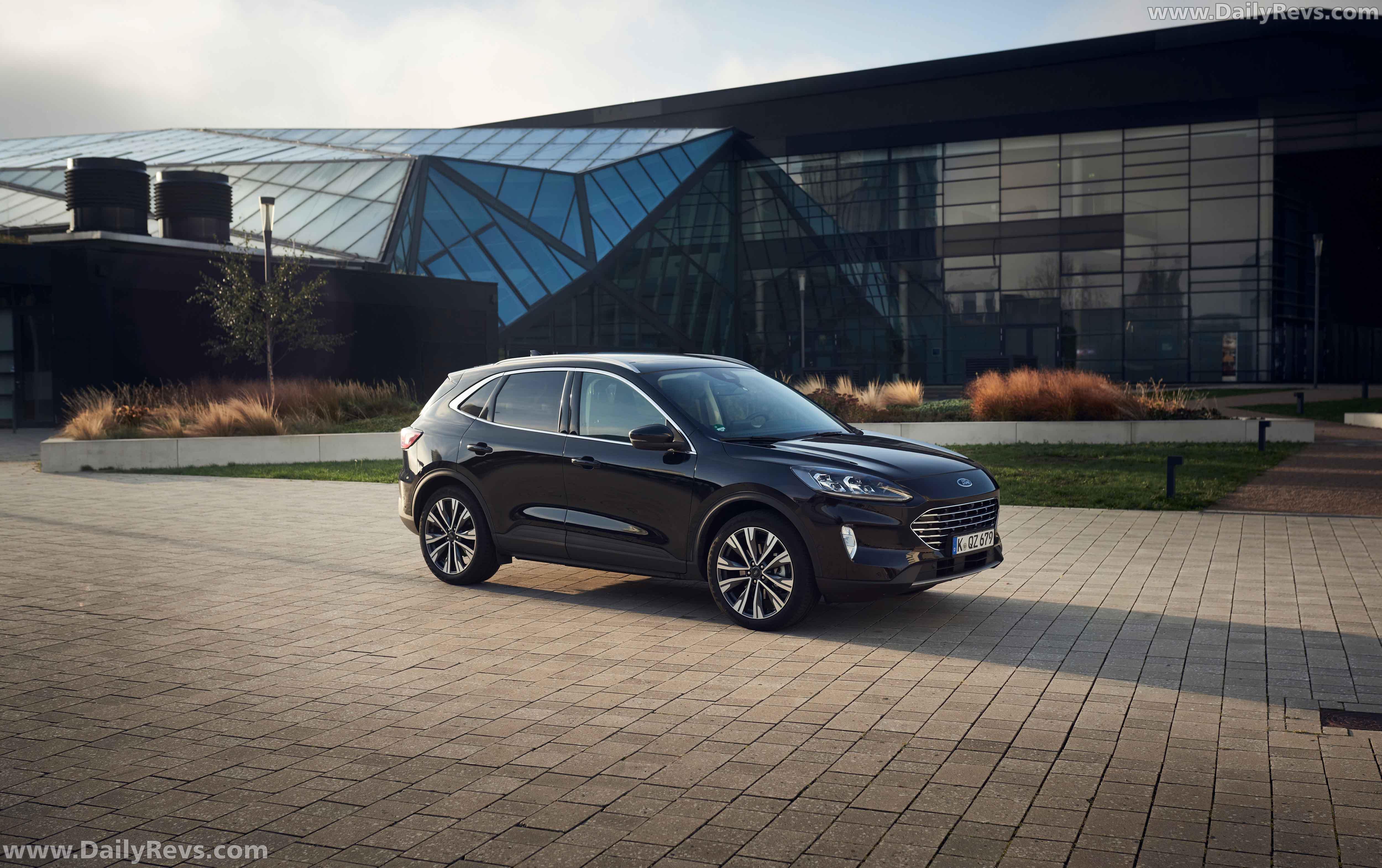 2021 Ford Kuga Hybrid - Dailyrevs