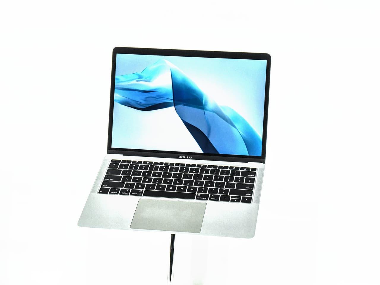 Apple MacBook Air 2021 hỗ trợ MagSafe, được thiết kế mỏng ...