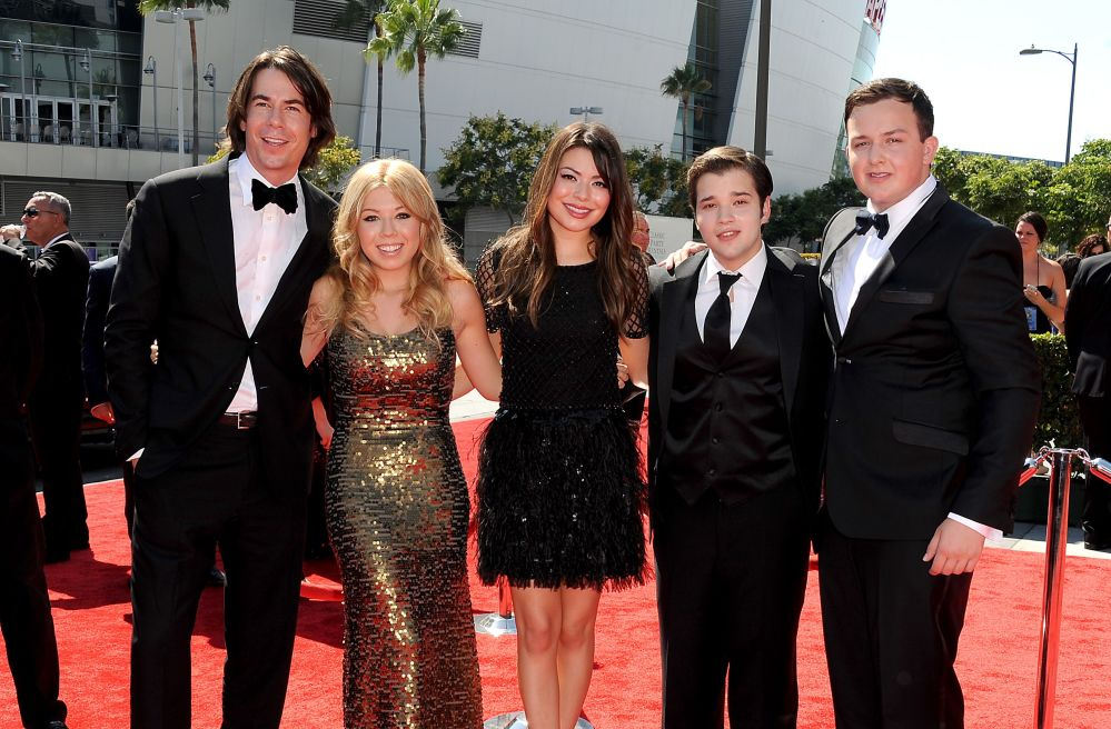 Where Is Gibby From 'iCarly' Now? What We Know About Noah ...
