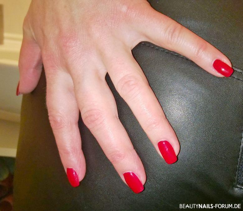 Rote Nägel & Füße mit Nagellack & Gel / Nageldesign - 2021