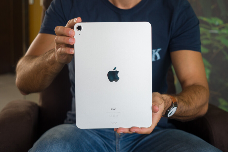iPad Pro 2021 vs iPad Air 4: How much of a difference ...