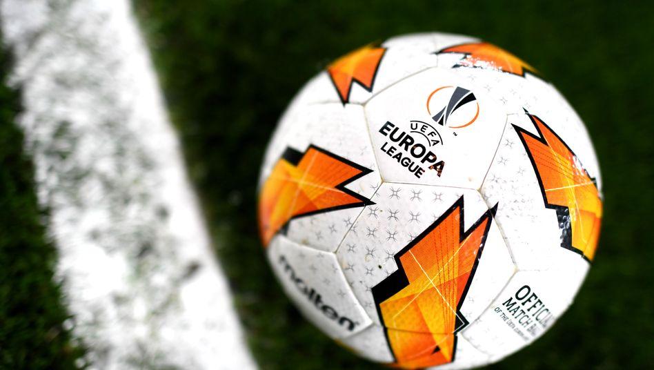 Uefa beschließt dritten Europapokal-Wettbewerb - DER SPIEGEL