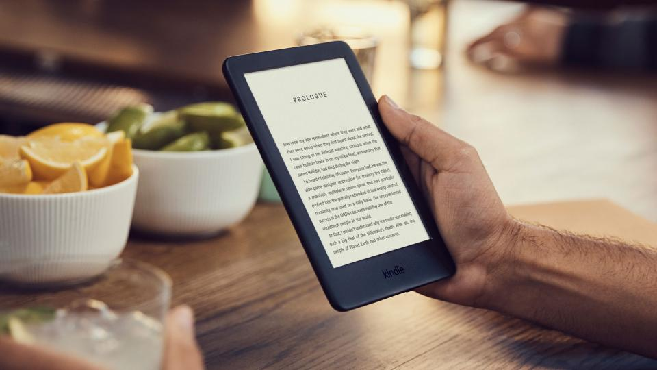 Amazon Kindle vs Paperwhite vs Oasis: Which Kindle is best ...