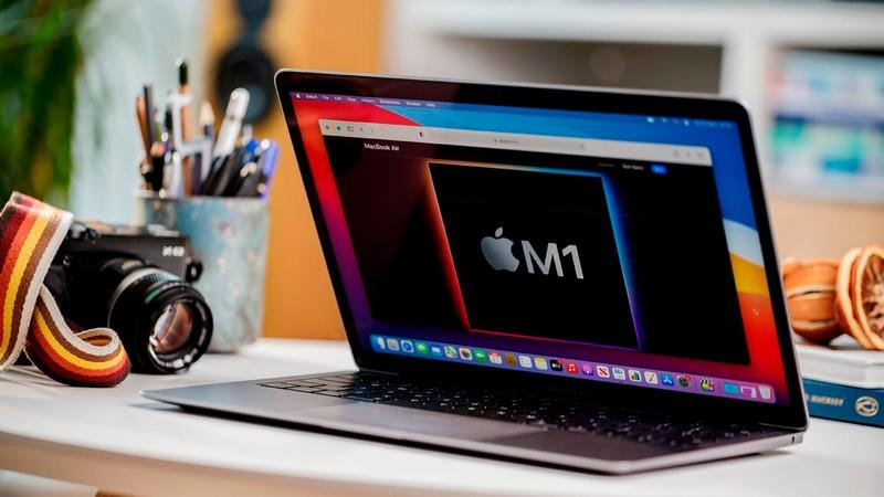 MacBook Air M1 (2020) Review: Apple Takes The Fight to Intel