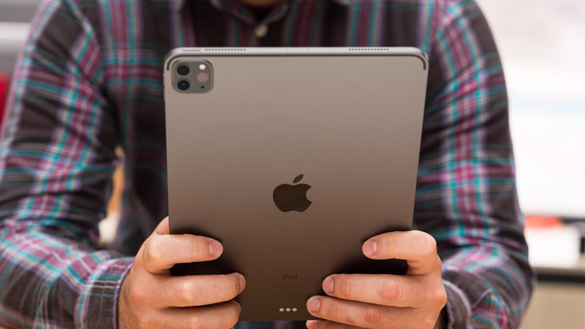 iPad Pro (2021) colors: Silver vs Space Gray - PhoneArena