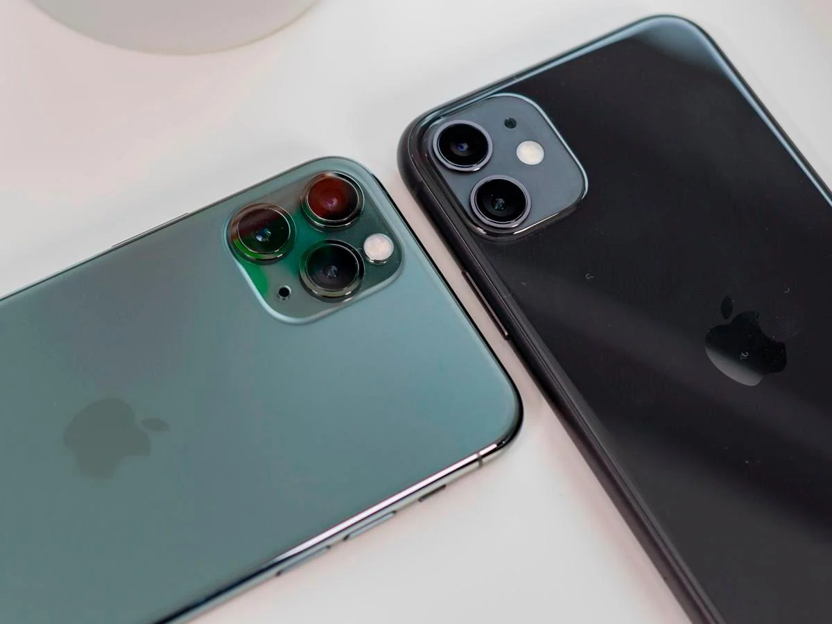 iPhone 12 vs. iPhone 11 Buyer's Guide   iPhone 12   iPhone 11
