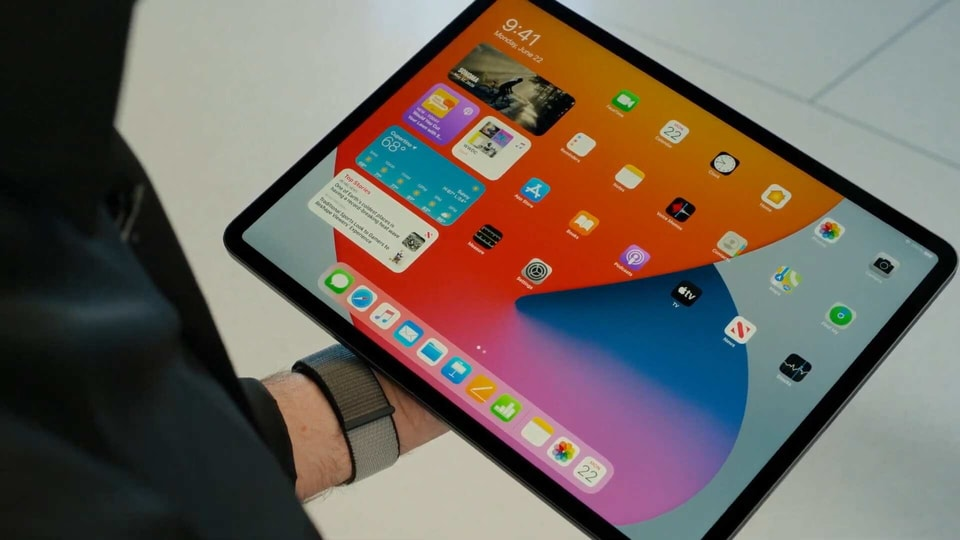 Apple may launch 10.8-inch iPad before December 2020, an 8 ...