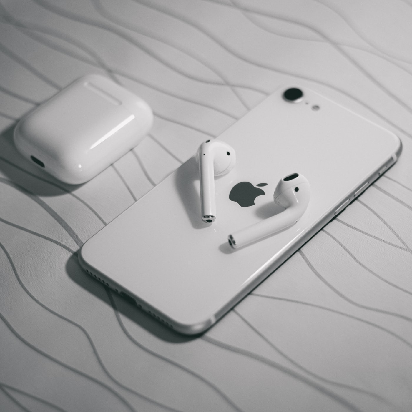 Apple will not unveil a new iPhone SE in 1H 2021 ...