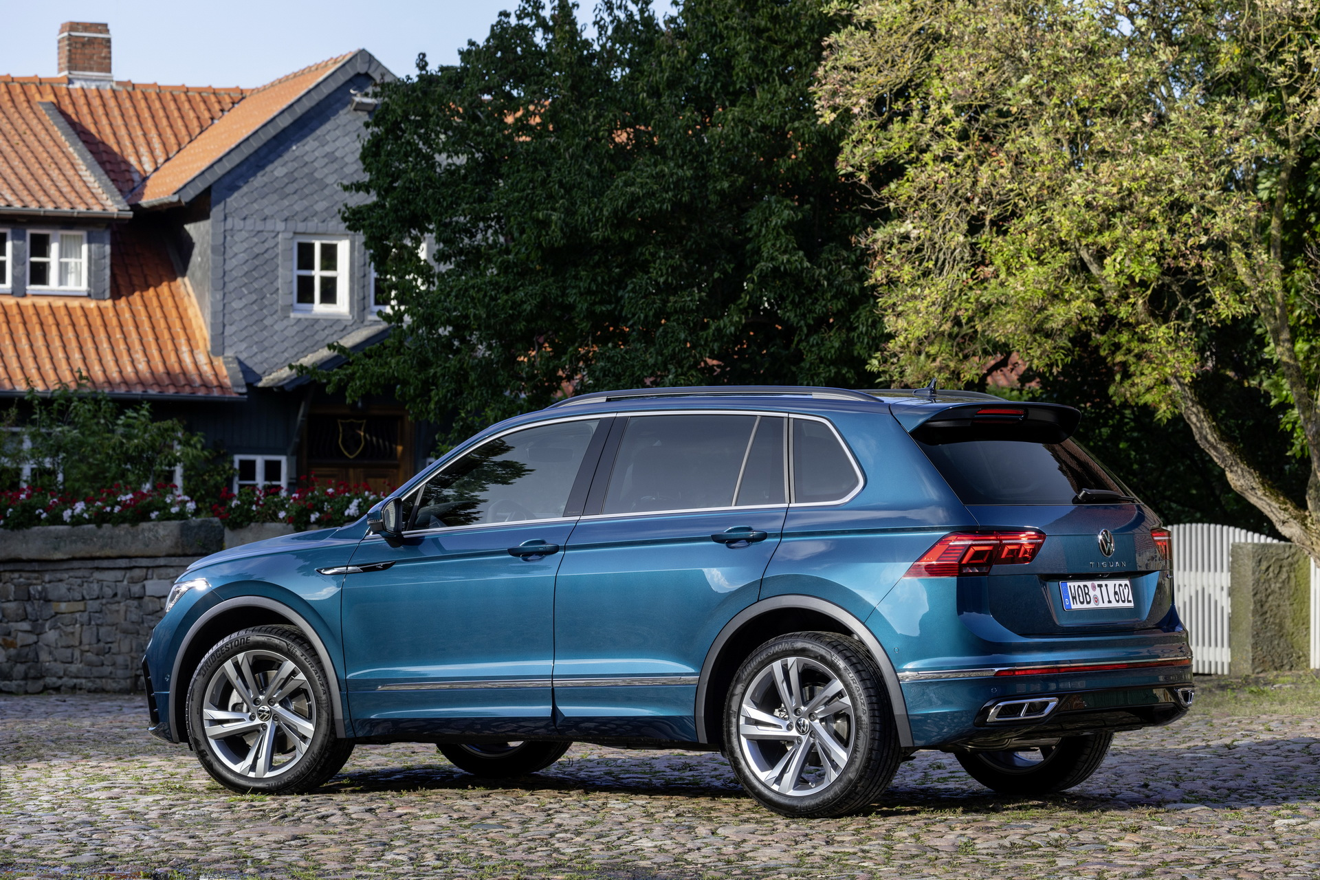 2021 VW Tiguan Launches In The UK, Starts At £24,915 ...