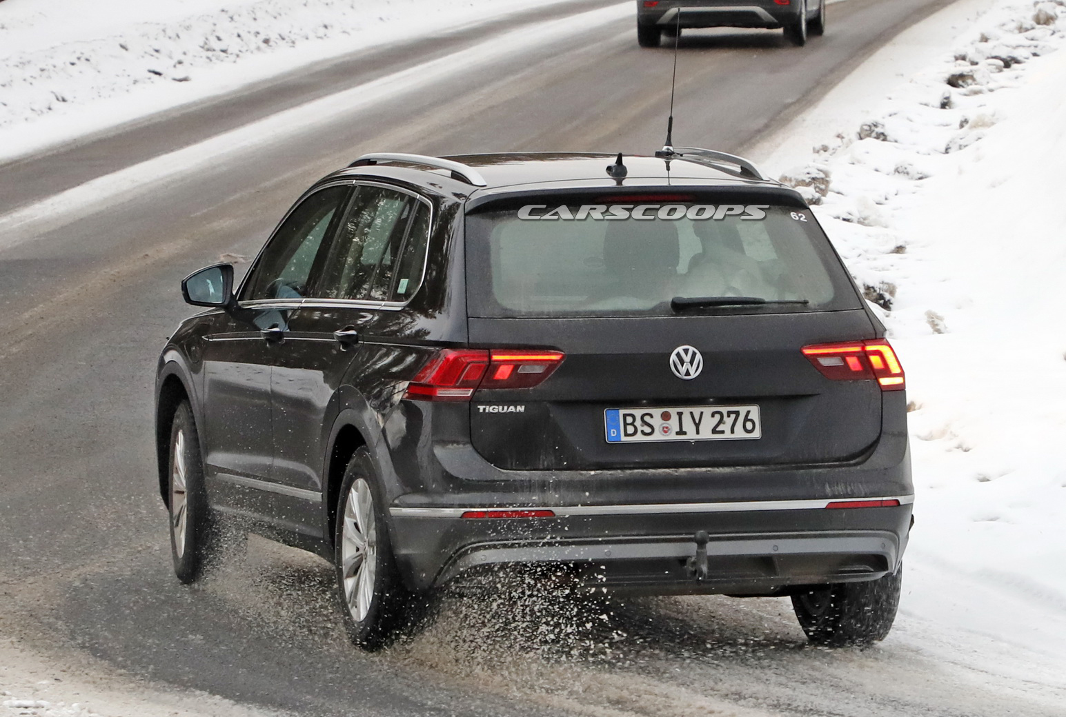 2021 VW Tiguan Facelift Spied In Plug-in Hybrid GTE Form ...
