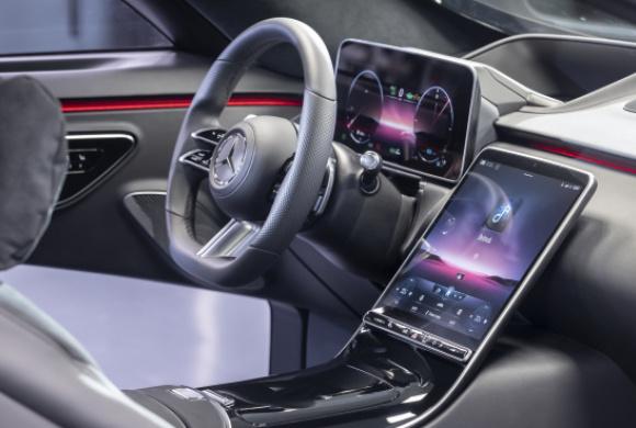 Mit 3D-Cockpit und neuem Infotainment: Neue Mercedes S ...