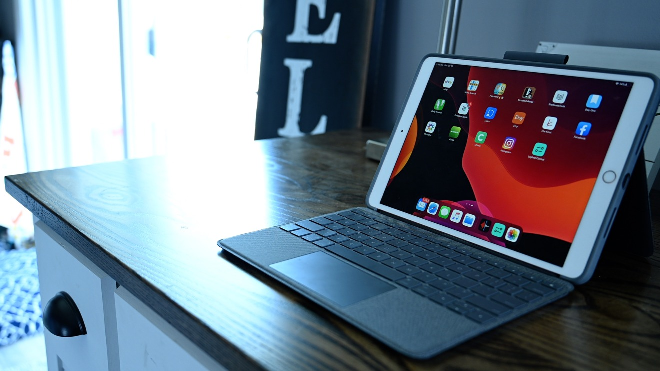 Review: Logitech Combo Touch is like the Magic Keyboard ...