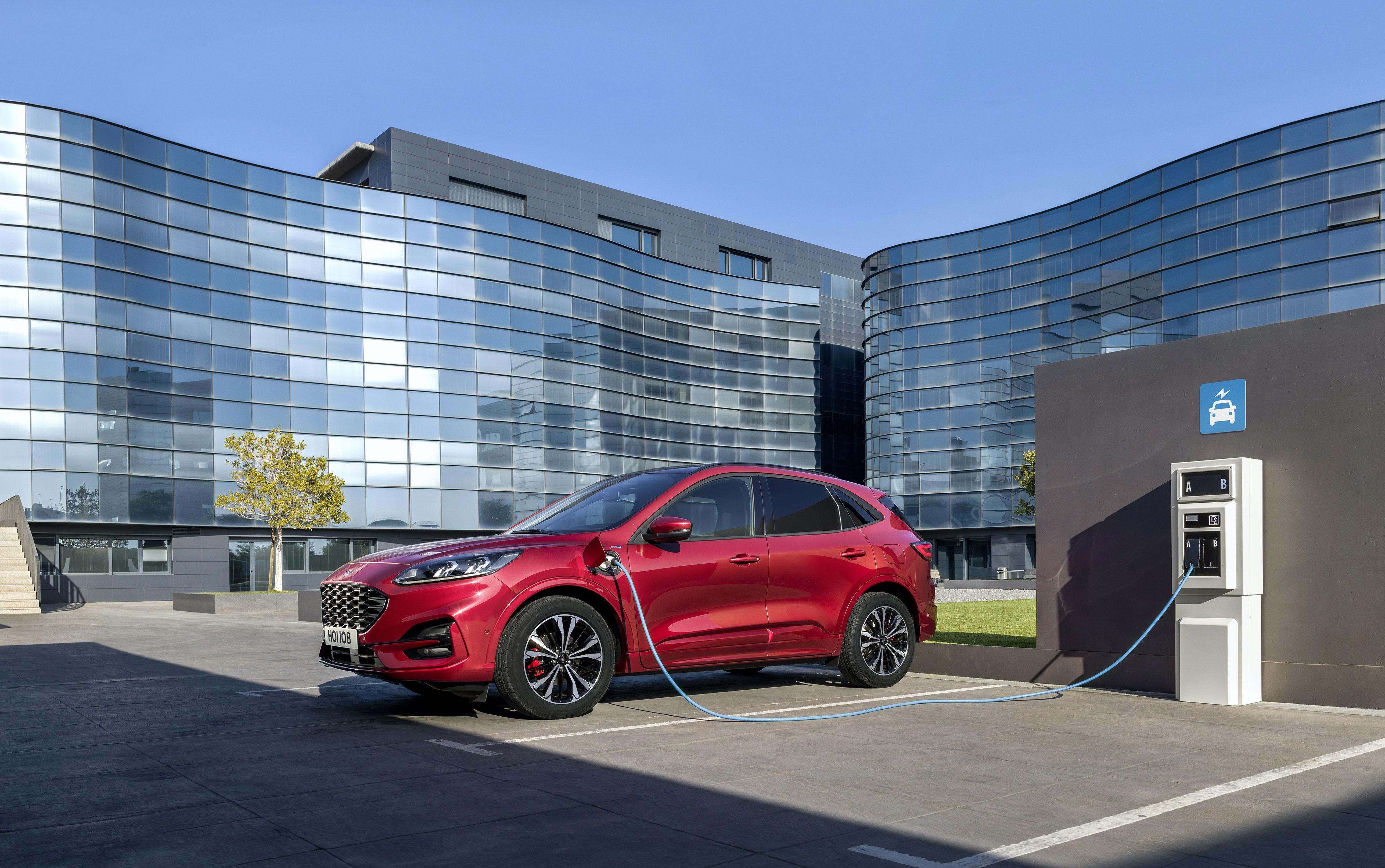 Ford Kuga Hybrid Review 2021   carwow