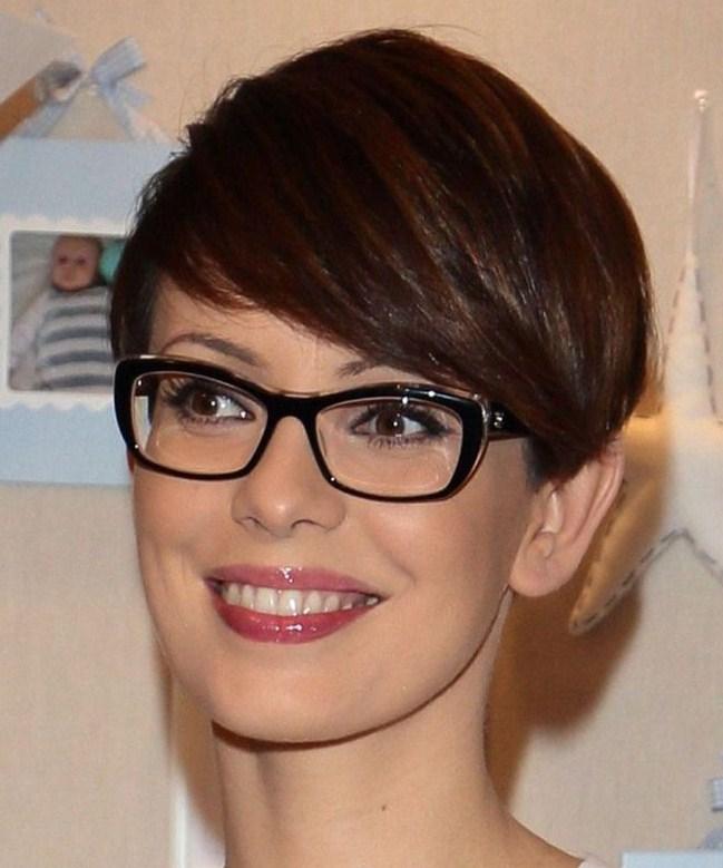 20 Beste Kurzhaarfrisuren Frauen Brille 2021