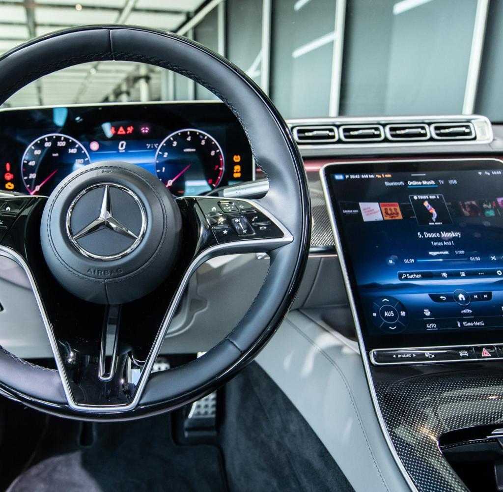 Daimlers neue Fabrik setzt Maßstäbe, die S-Klasse aber hat ...