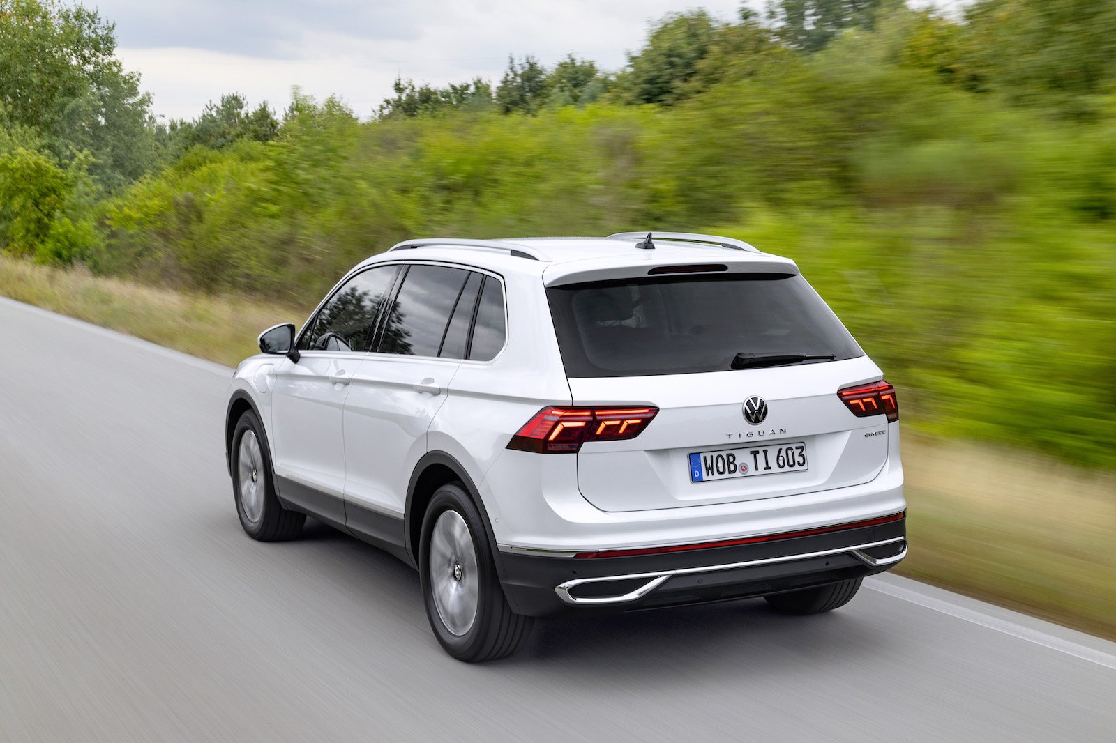 2021 Volkswagen Tiguan eHybrid review: price, specs and ...