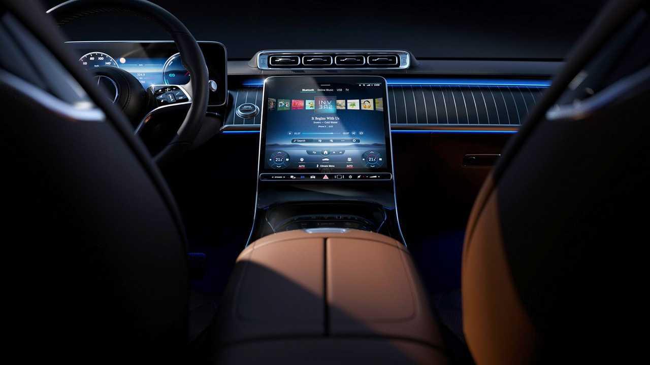 Mercedes C-Klasse (2021): Erste Erlkönigbilder des Innenraums