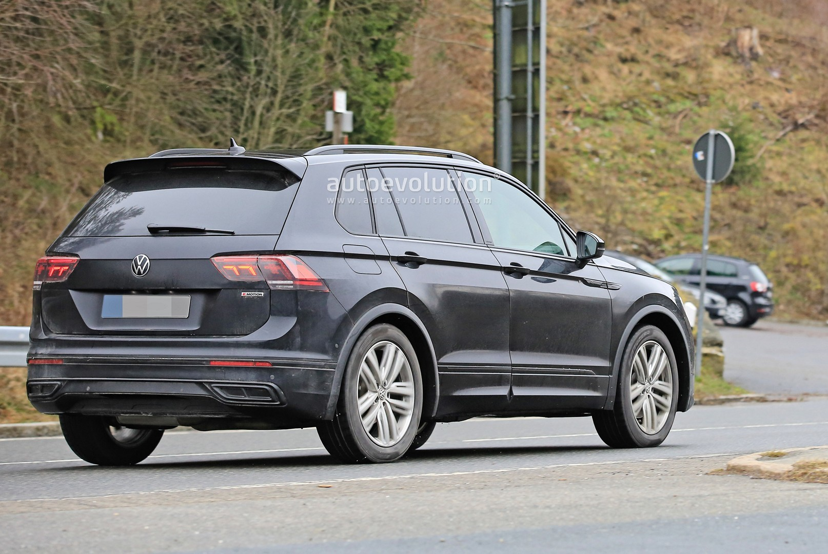 2021 Volkswagen Tiguan Front End Scooped, Debut Is ...