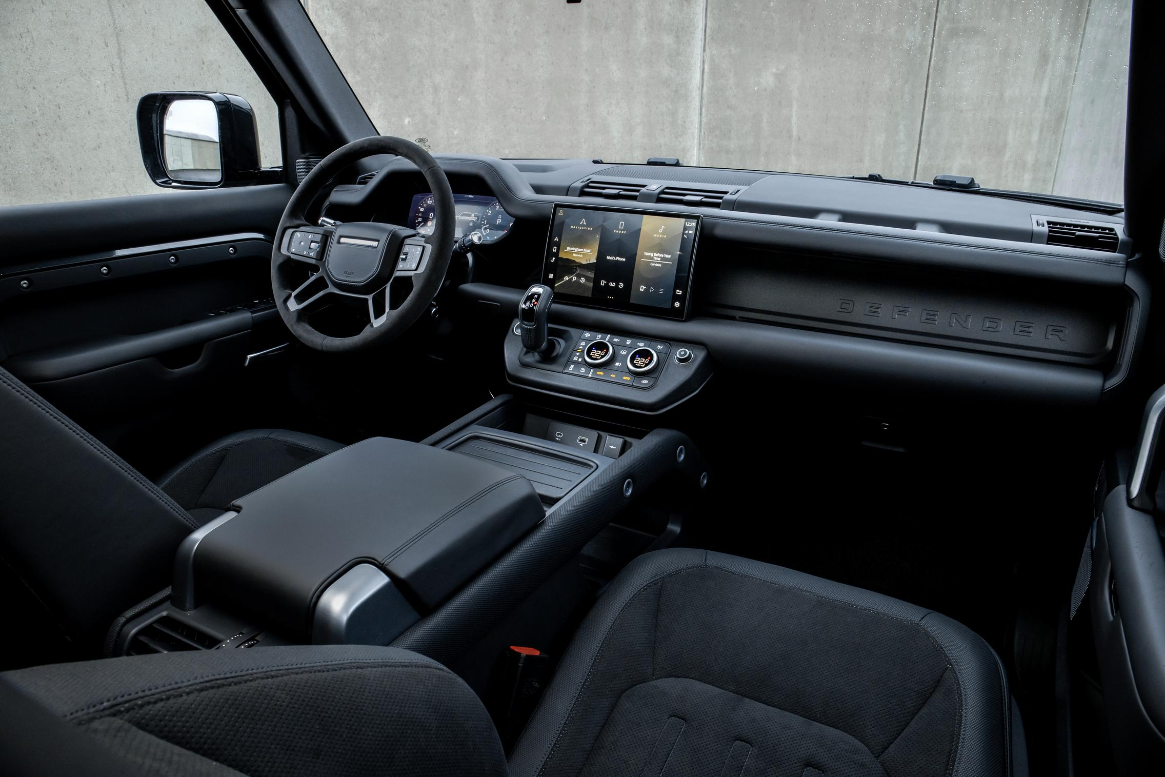 The V8 is Here: 2021 Land Rover Defender 90 V8 & 110 V8 ...