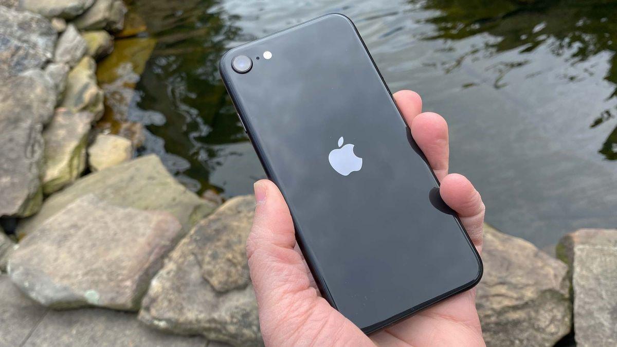 iPhone SE 3 (2021) Release Date, Price & Specs Rumours ...