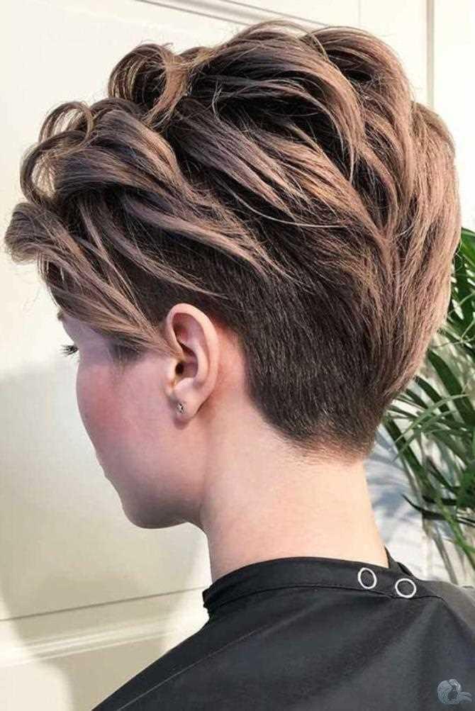 Trend Haarfarben für Kurze Haar für Damen 2021