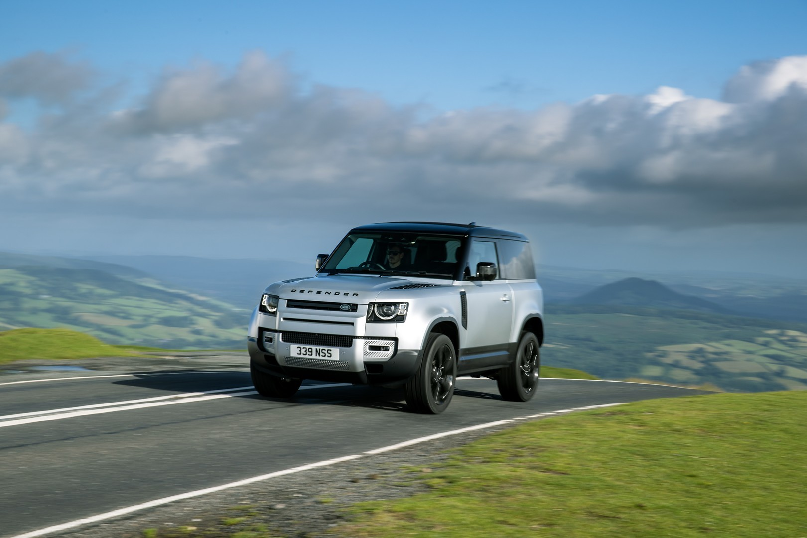 2021 Land Rover Defender Gets PHEV and Spacious Hard Top ...