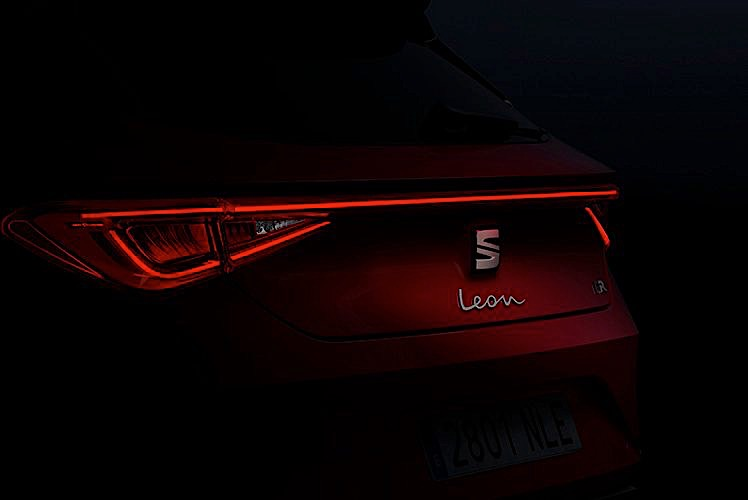 2021 SEAT Leon FR Shows Its Sexy Behind, Face Will ...