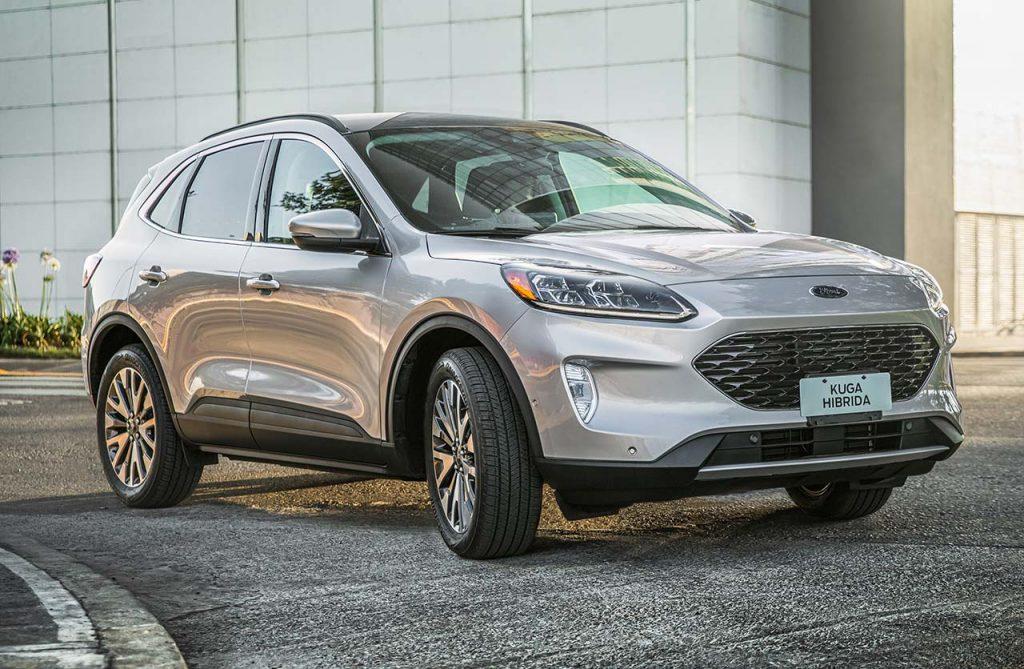 Ford-Kuga-Titanium-2021-curva - Mega Autos